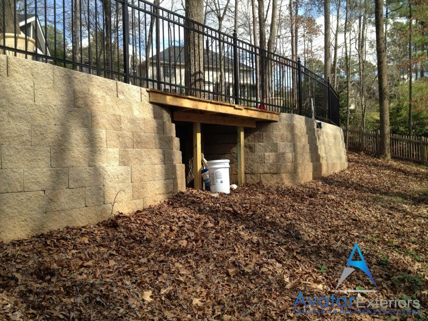 Swimming Pool Retaining Wall Installation Contractors